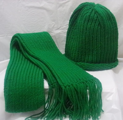 Dark Green Hat & Scarf Set